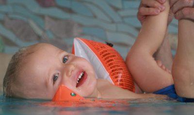 Schwimmenkurse Baby